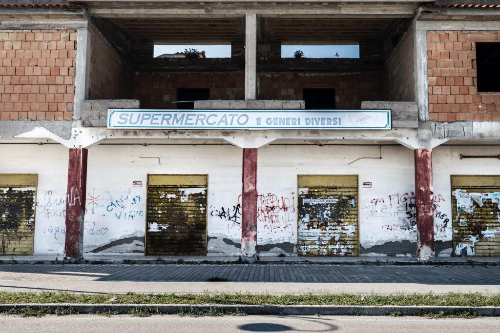 Supermercato abbandonato a Ischitella